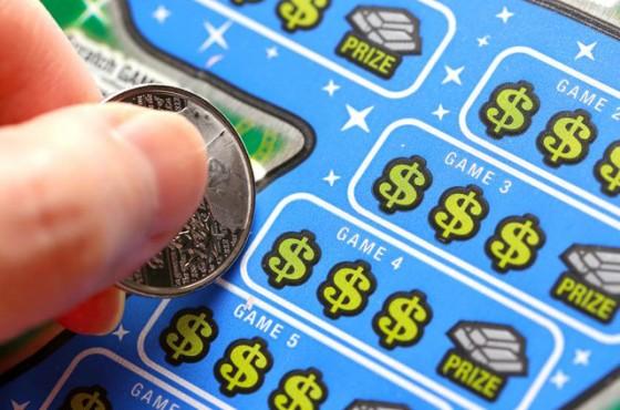 pravata mi pri igri s lotariini biletcheta