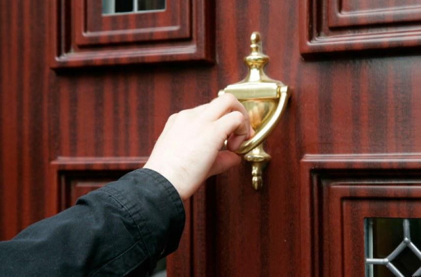 Когато съдебен изпълнител почука на вратата ми