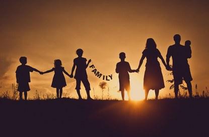 Приемни семейства – оценка, обучение и настаняване на дете