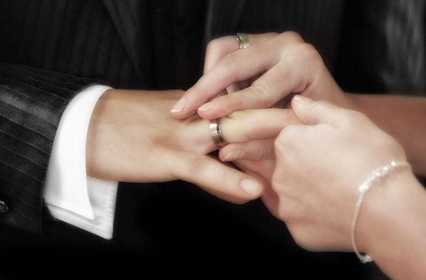 Непълнолетен съм. Имам право да сключа брак!