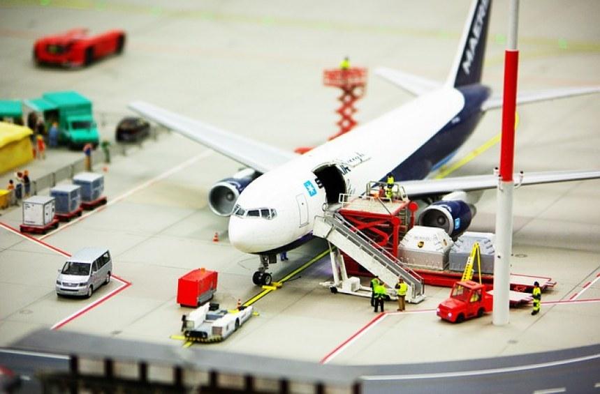 Какво да направя, ако някой е ровил в багажа ми при самолетно пътуване?