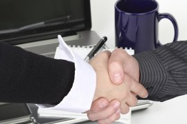 Трудов договор с условия за стажуване – възможност или ограничение?