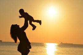 В помощ на самотната майка