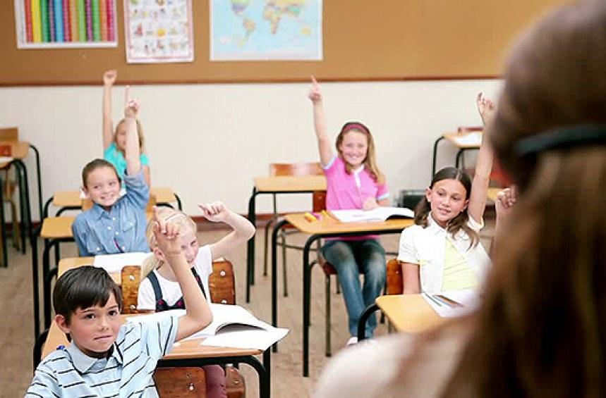 Какви са условията за отпускане на целева помощ за първокласник?