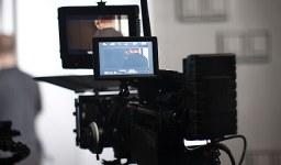Кой носи авторските права при филмите?