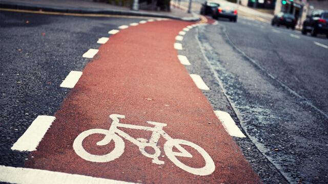 велосипедист на пътя