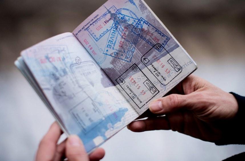 Откраднати лични документи при пътуване в чужбина! Ами сега?