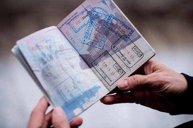 Откраднати лични документи при пътуване в чужбина!