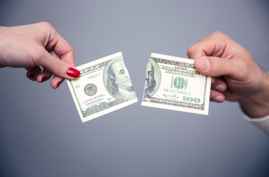 Къде да заменя повредена банкнота или монета?