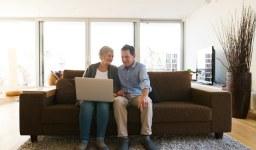 Пенсионер съм, но работя. Какви са правата ми?