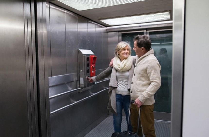 Кога е безопасно в асансьора?