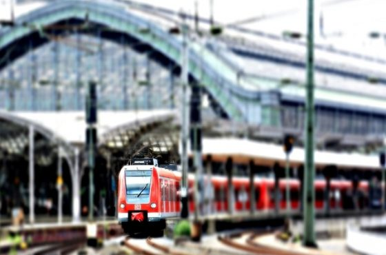 пътуване с влак на хора с увреждания